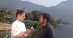 Jornalista Janaina Xavier entrevista o fisiologista Daniel Gonçalves sobre como as mudanças no horário de verão afetam o dia a dia de atletas